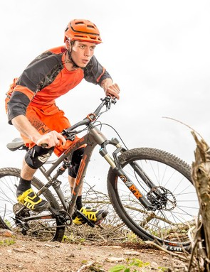 Longer/lower/slacker handling plus stiffer SCR rear end Boosted to 148mm give the Whyte outstanding control and swaggering confidence