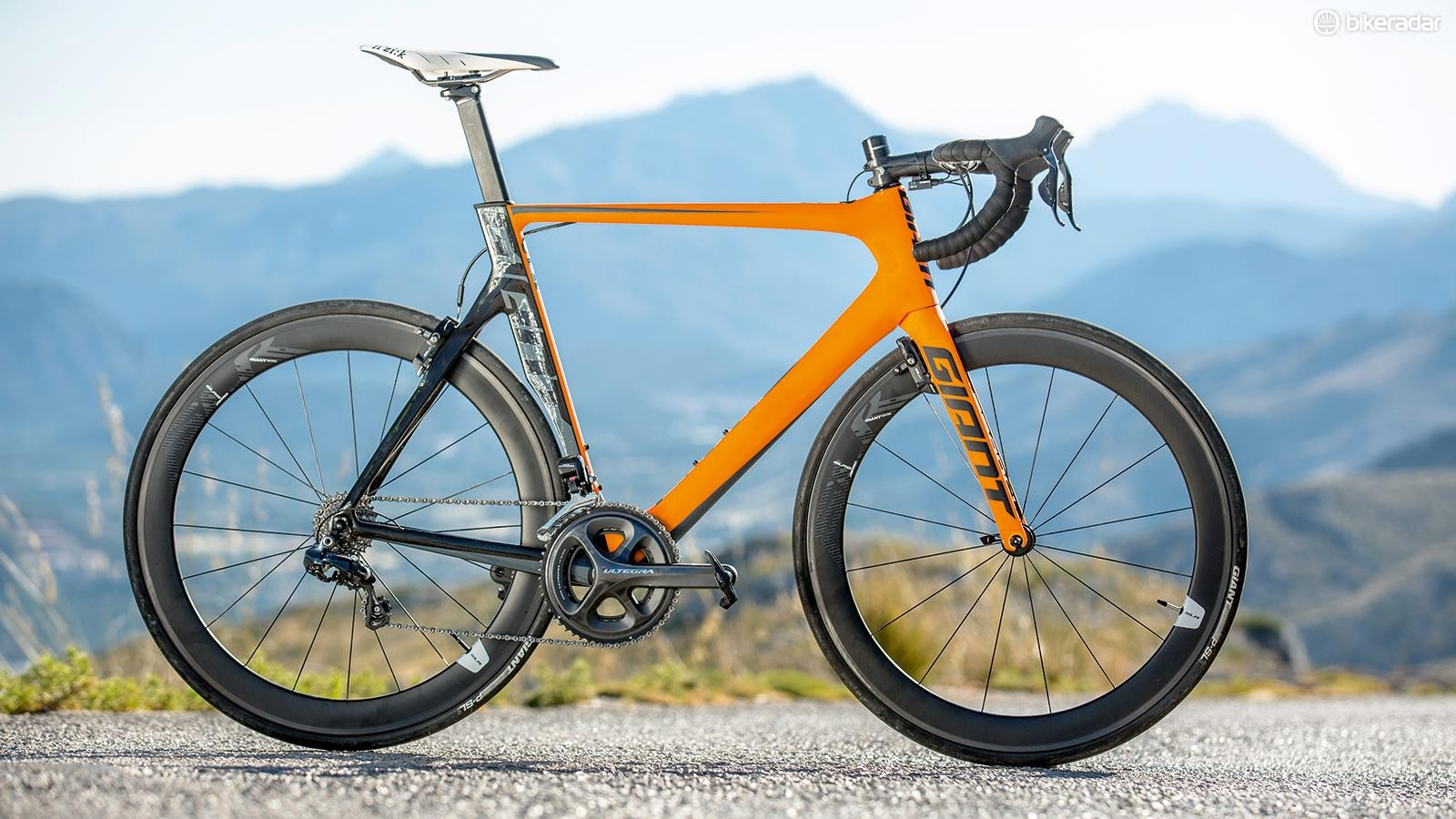 The Giant Propel Advanced Pro 0 is scorchingly fast, but suffered from a few high-speed jitters in testing