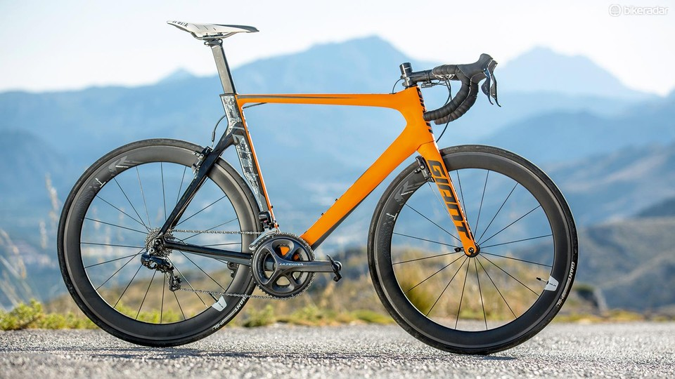 e62db331ab5 The Giant Propel Advanced Pro 0 is scorchingly fast, but suffered from a  few high