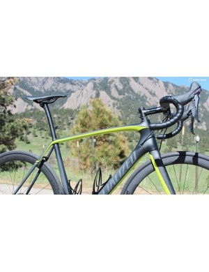 The Tarmac Pro Disc features race geometry with hydraulic brakes