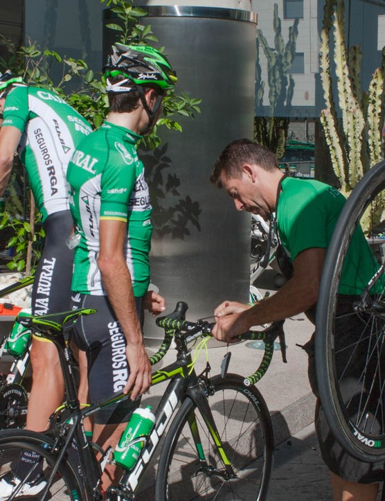 Quick adjustments before a final pre-race training ride