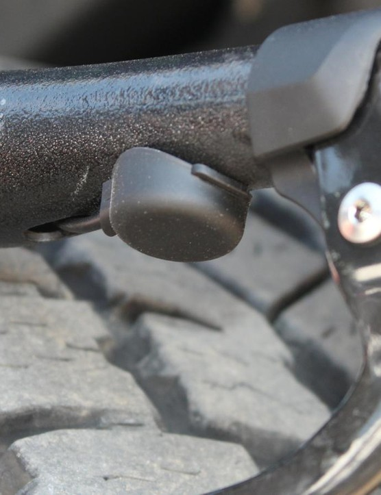 The buttons are pressed once to shift the rear derailleur in one direction, and pressed at the same time to shift the front derailleur