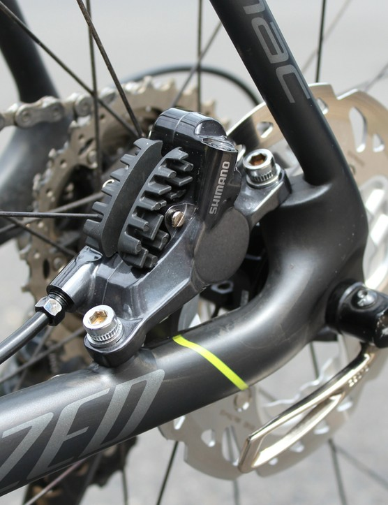 The Shimano R785 hydraulic caliper and 140mm rotor