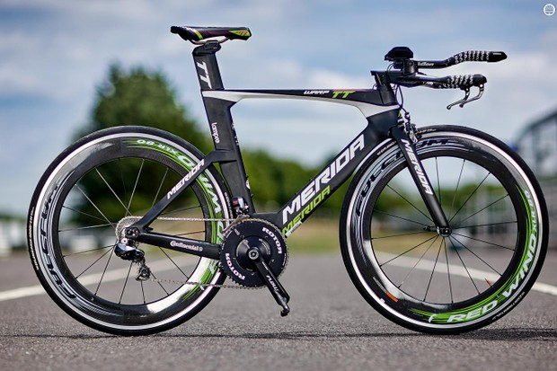 Merida's Warp TT is, unsurprisingly, similar in frame profile to many of its competitors