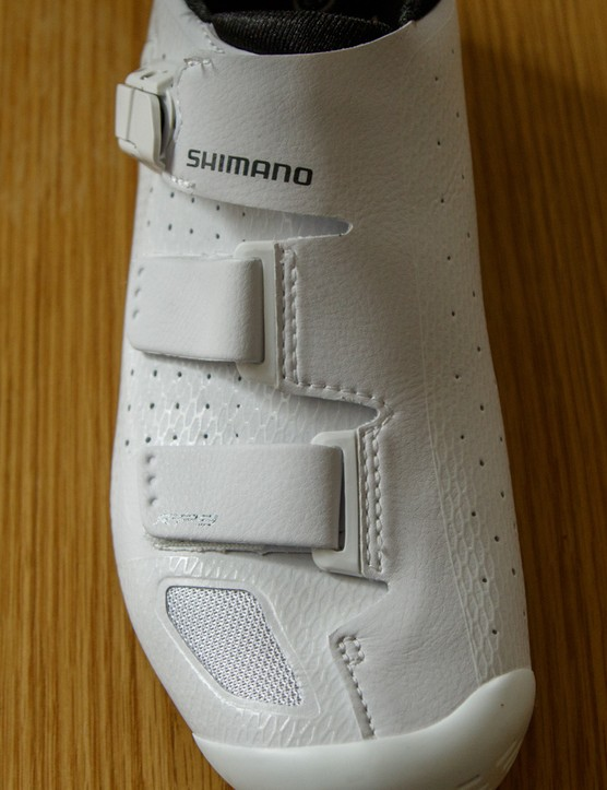 The RP9s feature Shimano's 'Surround' upper, which allows the top of the shoe to wrap over the foot