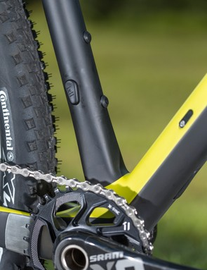 The removable front mech shares the same bolt to mount the hanger to the frame as it does the mech to the hanger