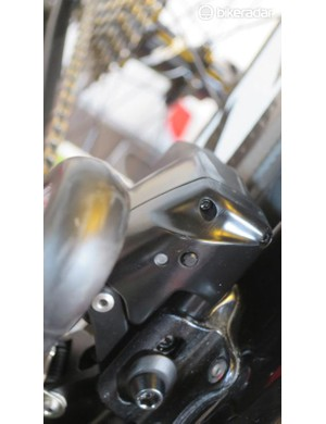 Also in common with the rear, the front derailleur has a charge indicator LED and a function button