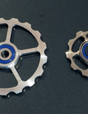 Most rear derailleurs currently use 11-tooth pulleys. CeramicSpeed's new system uses enormous 17-tooth ones instead