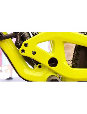 The main pivot is 17mm in diameter to bolster frame stiffness