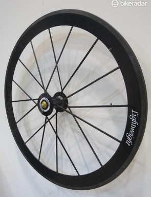 The Meilenstein Pro front wheel uses a new woven carbon spoking system