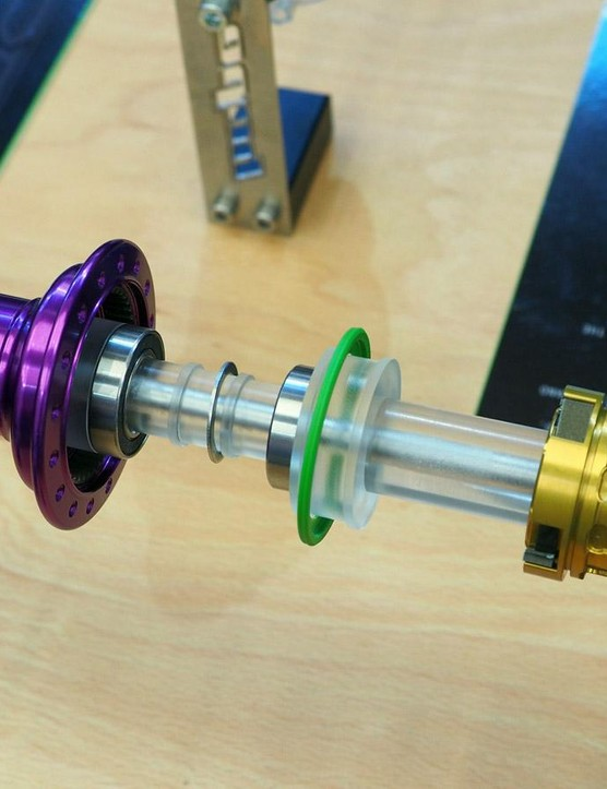 Whereas the previous Pro 3 driver body used rather small cartridge bearings on the inboard side, the new Pro 4 hubs switch to a single, larger-diameter cartridge for improved durability, according to Hope