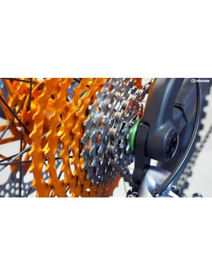 The one major downside of Hope's new cassette is that it'll only work with its own proprietary freehub body, which is basically a standard Shimano/SRAM driver that's been shortened to make room for the 10-tooth sprocket