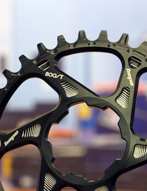 Hope is Boost-ready for 2016 with properly offset direct-mount chainrings and hubs