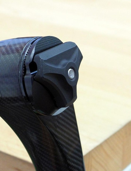 Hope is using a single-bolt head for its new carbon seatpost but with a knurled interface that should resist unwanted rotation