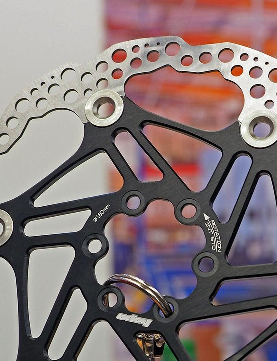 Hope is simplifying its disc rotor options for 2016, switching to a single brake track pattern across the board instead of offering both sawtooth and round versions