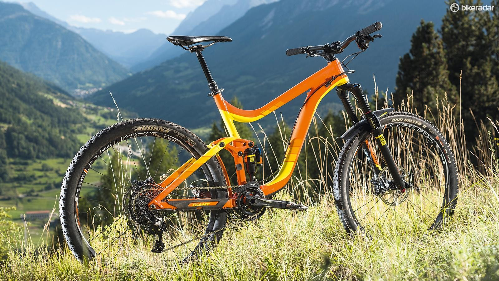 Giant's Reign 1 isn't a bike you'll misplace, unless you make a habit of riding bright orange hills