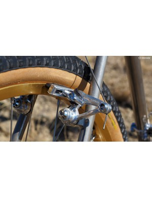 Shimano MC-70 cantilevers handle the stopping duties