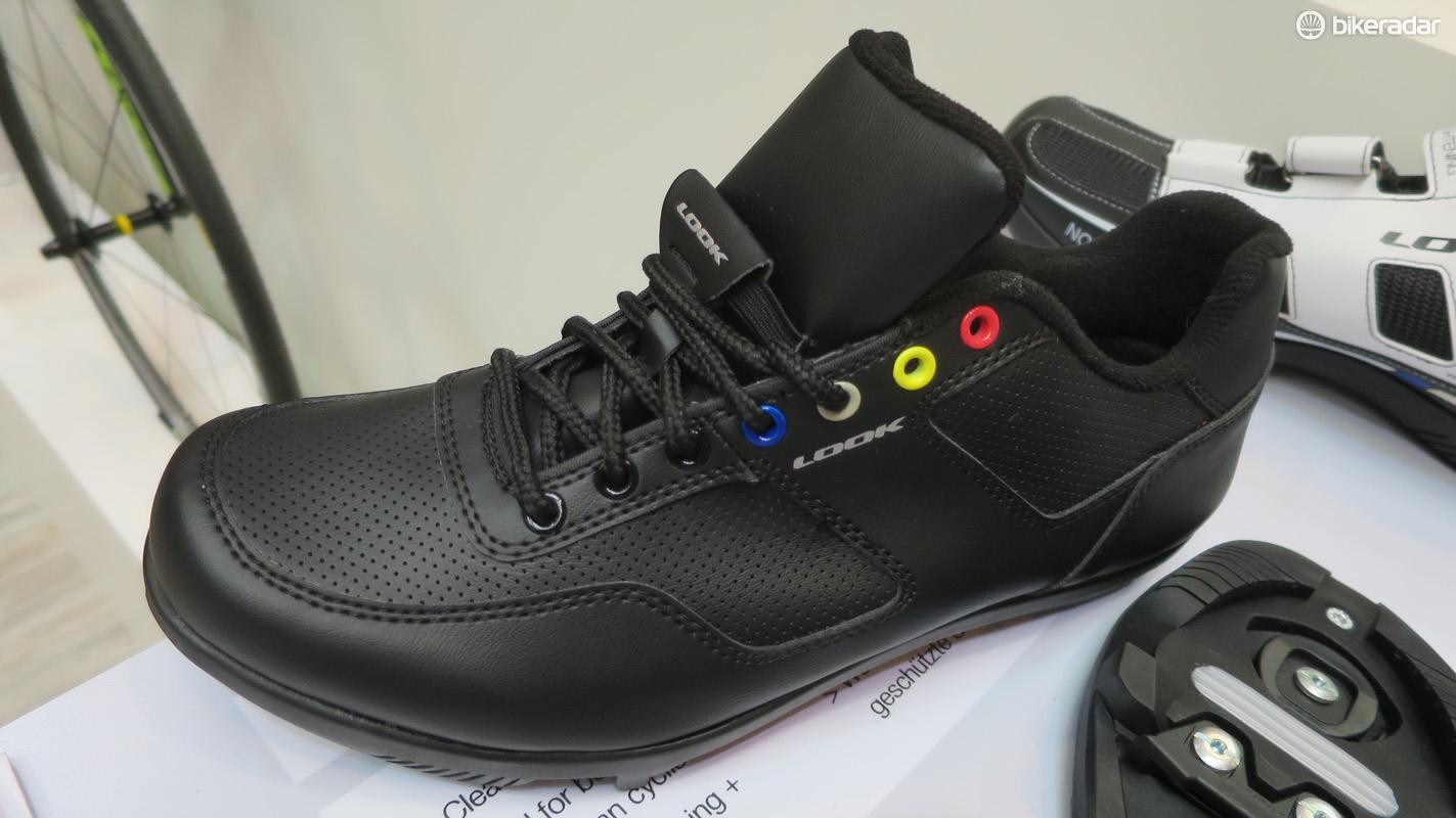Look's new Touring shoe seems like your average commuter-cum-casual shoe
