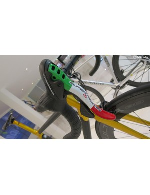 The Tricolore C60 has these custom painted Super Record levers