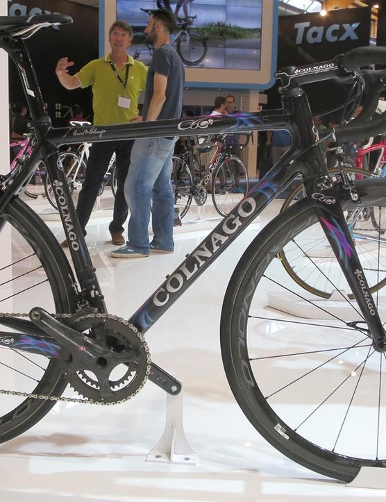 Colnago is also offering these rather fetching tradional Colnago hand painted finishes for the C60