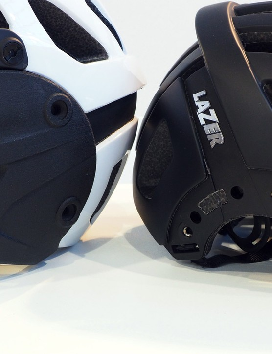 The chin bar is removable via six screws that fasten to metal inserts on the sides. Converting the helmet won't be a terribly quick process so it's not something that riders are likely to do in between individual runs