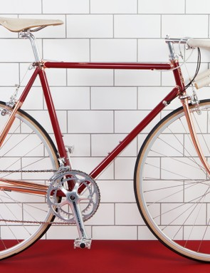 The Redfinn colour is particularly striking with white saddle and tape