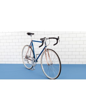 The Campagnolo Athena 11-speed group certainly fits the bill