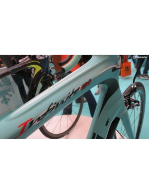 The Infinito CV can now be had in the same matt-fluoro-celeste as the Specialissima