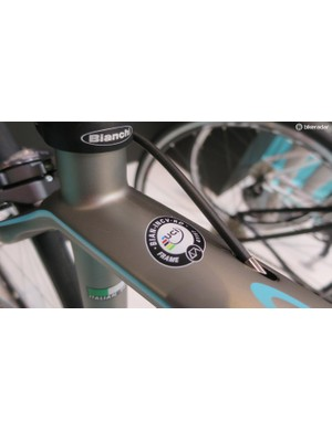 The Infinito CV Dama is UCI approved for racing