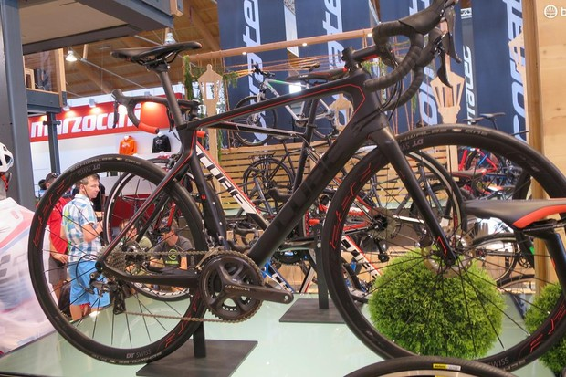 Cube's Ultegra-equipped disc Agree C62 mixes aero with hydraulic braking for £1499