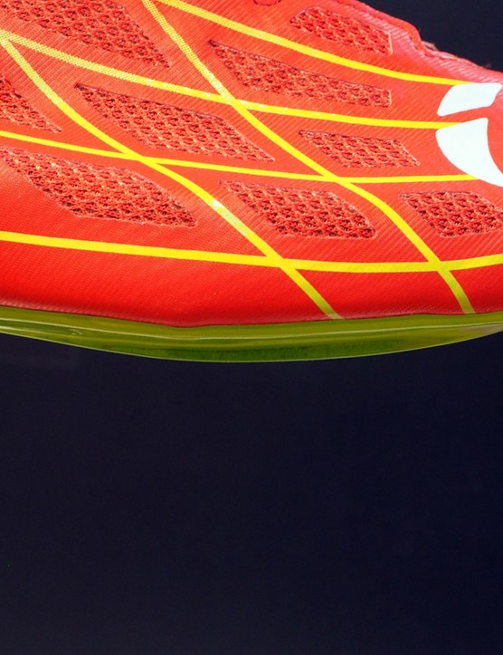 The main benefit of the innovative construction methods used on the Pearl Izumi Pro Leader III shoe is a fantastically low stack height