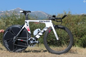 This 54cm Cervélo P3 weighed 18lb / 8.1, including bottle and pedals