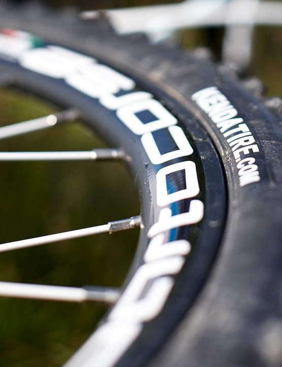The Kenda Kwicker tyres preferred harder surfaces, and tended to clog up with mud when the going got stickier