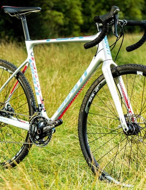 Modern 'crossers like Giant's TCX feature thru-axles and disc brakes