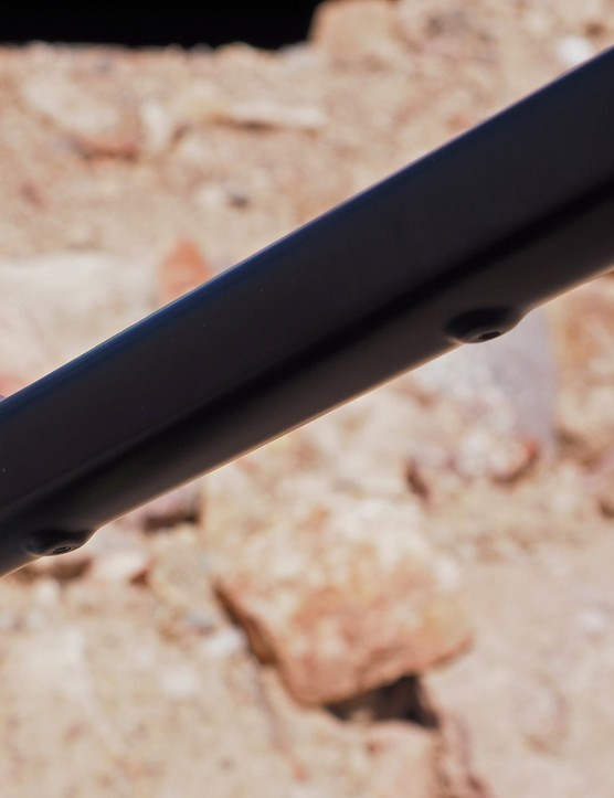 Routing is included for externally routed dropper seatposts, too