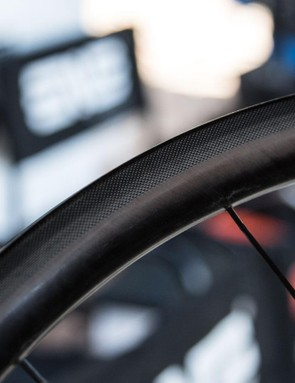 ENVE's new textured 'moulded' brake track is said to improve braking performance by 30 percent. It's currently only available with the SES 2.2 tubular wheels