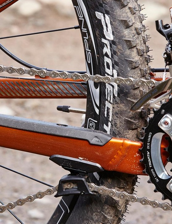 The wider-range 2x SRAM gearing proved distractingly rattly at times