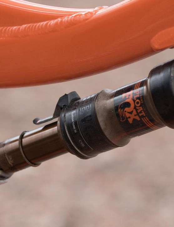 Where many of the Carbon models come with a FOX Float X rear shock, the Aluminum use the lighter FOX Float DPS Kashima