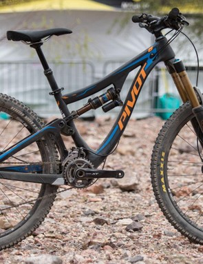 The 2016 Mach 6 Carbon gets a few key updates. Wondering why this one is so small? That's because Pivot offer the Mach 6 in five sizes to suit riders from 4'11