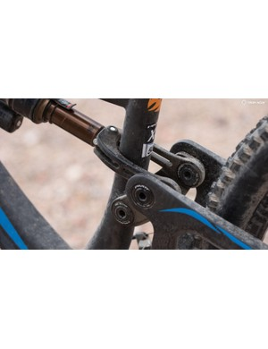 The new upper linkage is said to be 40 percent wider and 150-percent stiffer. Add in some larger Enduro MAX bearings and the Mach 6 is one stiff frame