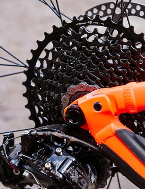 A 42t e*thirteen expander cog helps with the climbs