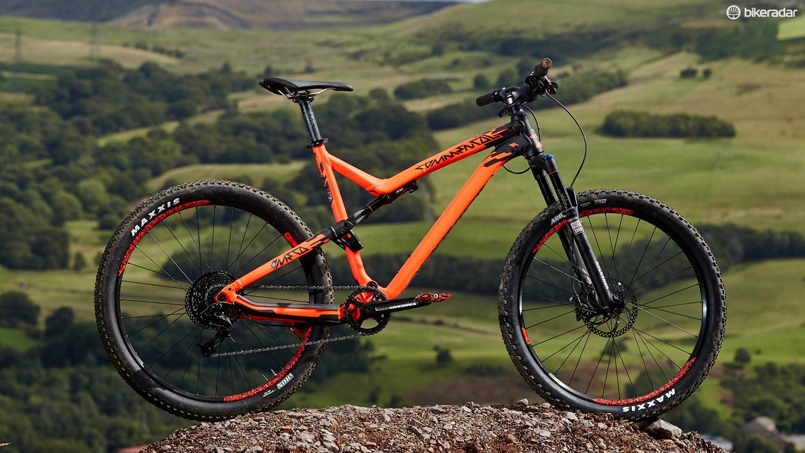 Commencal's Meta Trail Essential isn't going to get lost in a hurry