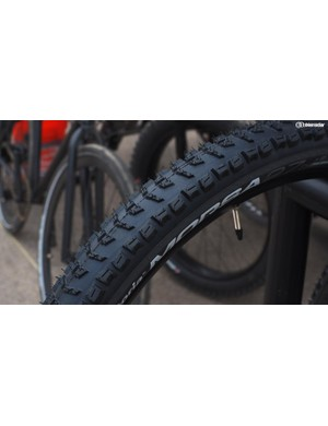 The Vittoria Morsa is an aggressive enduro/trail tire that supposedly offers outstanding grip but also excellent wear characteristics, too