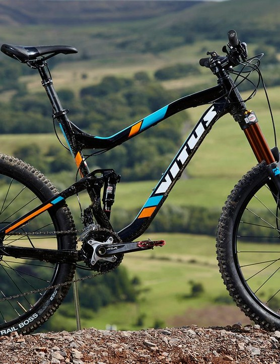 The Escarpe is Vitus' 650b wheeled, 135mm (5.3in) travel trail offering