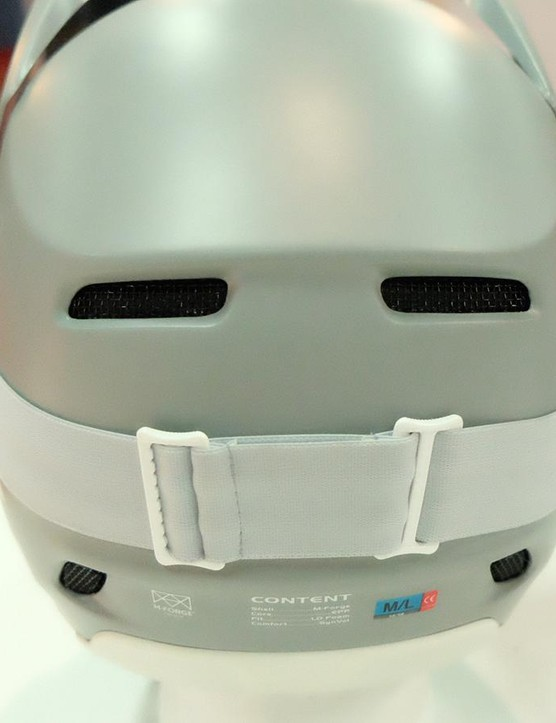 The four rear vents help pull air through the helmet
