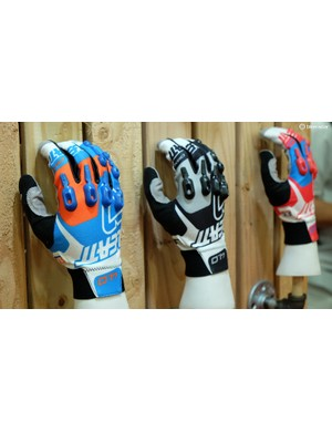 Leatt's DBX 4.0 Lite gloves feature Armourgel protection on the knuckles and outer fingers