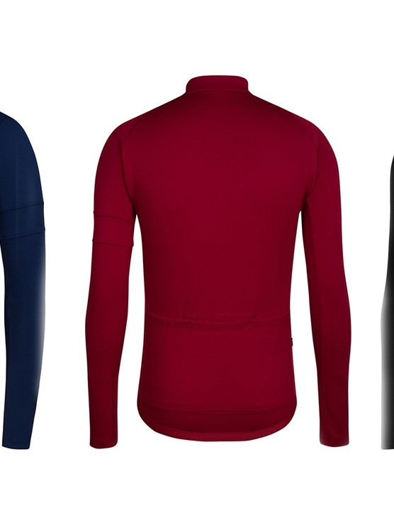 The Long Sleeve Training jersey has a slightly more relaxed fit than the Pro Team Range