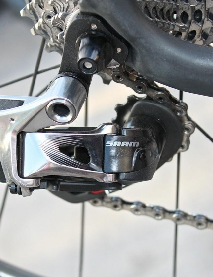 The rear eTap derailleur weighs 239g including the battery, which has a claimed run time of 50-60 hours. The system goes to sleep when not in use, so the run time isn't the same as ride time