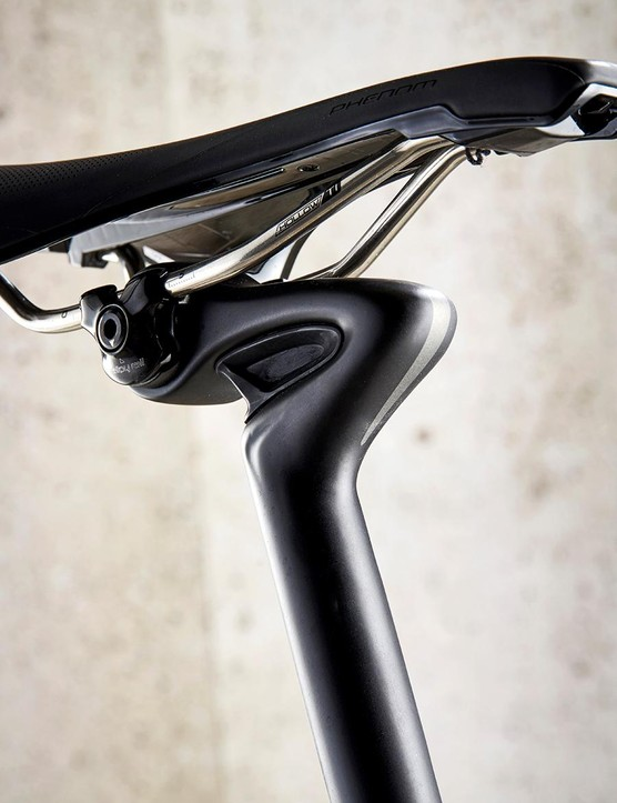 Looks like HR Giger had a hand in the Diverge's seatpost
