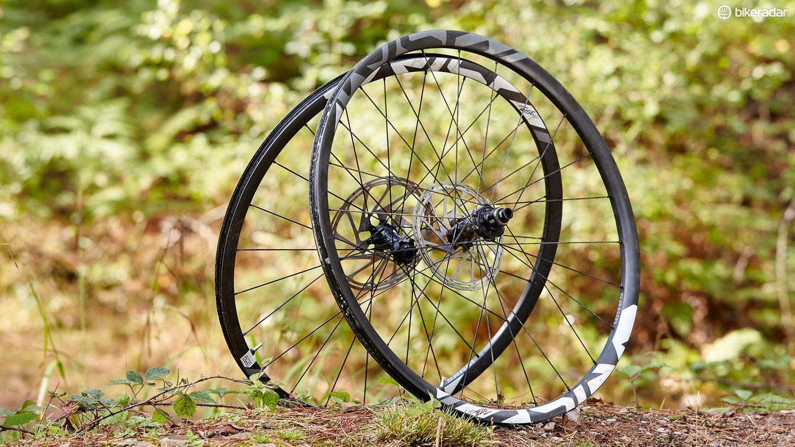SRAM RISE 60 29in wheels
